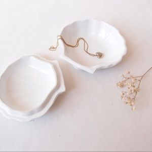 Ceramic CLAM SHELL trinket dish